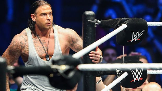 tim wiese so heftig ist das wwe camp. Black Bedroom Furniture Sets. Home Design Ideas
