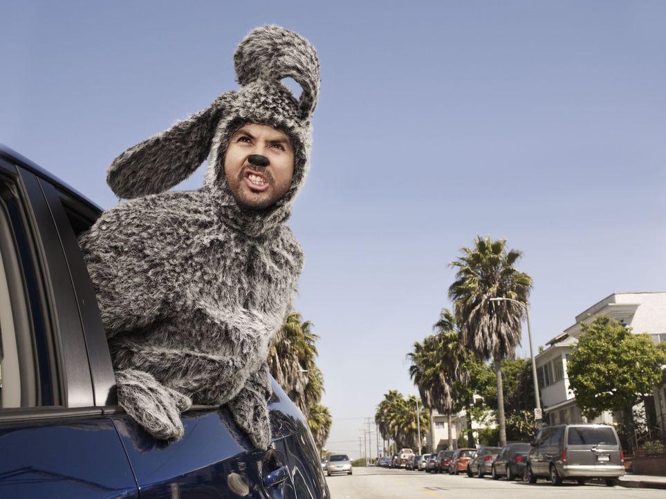(1. Staffel) - Für Jenna und alle anderen Menschen ist Wilfred (Jason Gann) ein ganz normaler Hund, für Ryan jedoch ist er ein Mann im Hundekostüm u... - Bildquelle: 2011 FX Networks, LLC. All rights reserved.