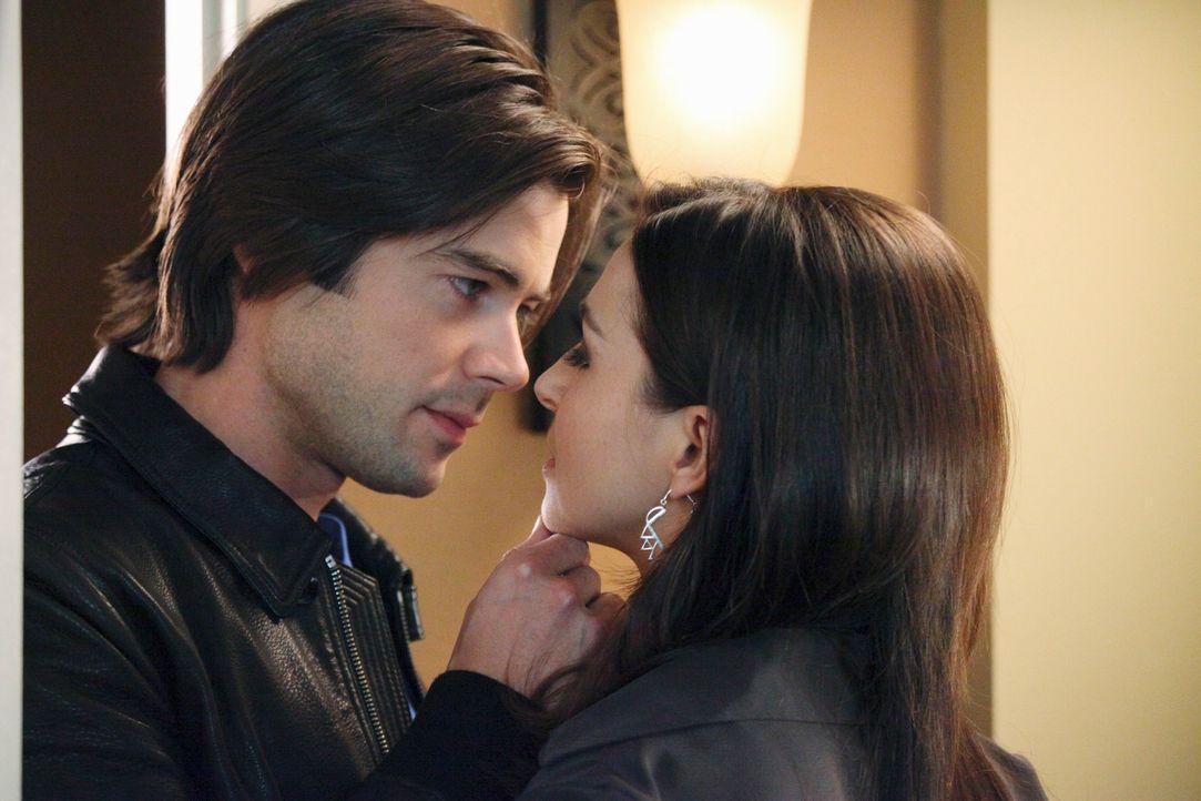 Haben Amelia (Caterina Scorsone, r.) und James (Matt Long, l.) eine Chance auf eine gemeinsame Zukunft? - Bildquelle: ABC Studios