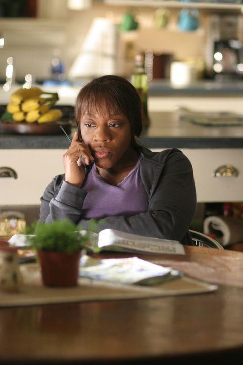Ist Vivian Johnson (Marianne Jean-Baptiste) im Fall der jungen Agnes Deschamps auf der richtigen Spur? - Bildquelle: Warner Bros. Entertainment Inc.