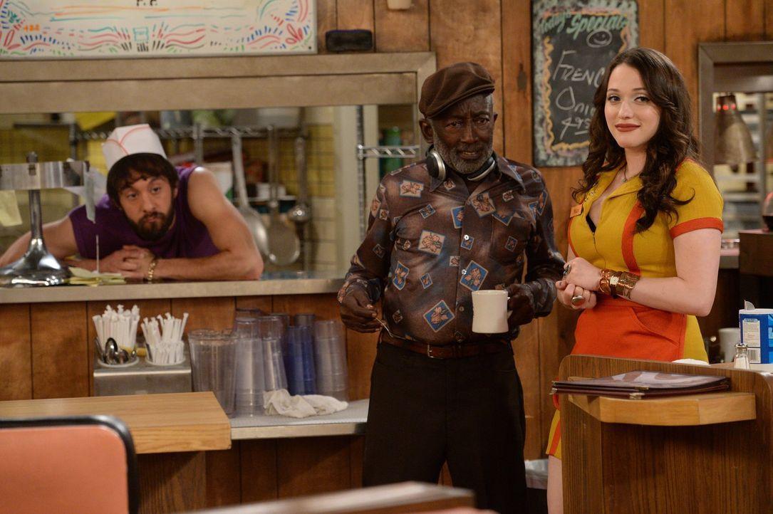 Können eine ruhige Kugel schieben: Weil Max (Kat Dennings, r.) und Caroline einem Kunden vor den Kopf gestoßen und damit einen Boykott des Diners ve... - Bildquelle: Warner Brothers