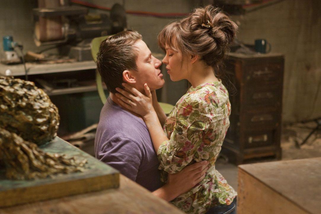 Frisch verheiratet und schwer verliebt: Paige (Rachel McAdams, r.) und Leo (Channing Tatum, l.) ... - Bildquelle: Kerry Hayes 2010 Vow Productions, LLC. All rights reserved.