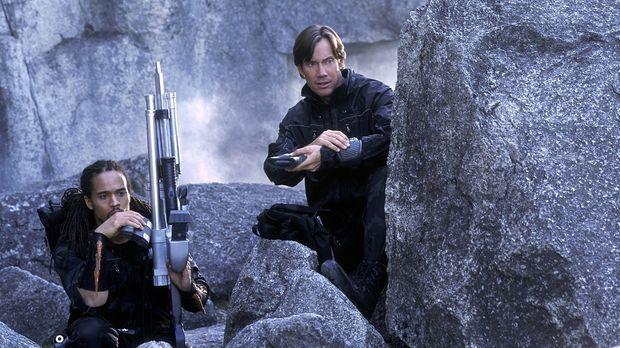 Können Dylan (Kevin Sorbo, r.) und Tyr (Keith Hamilton Cobb, l.) die Kommando...