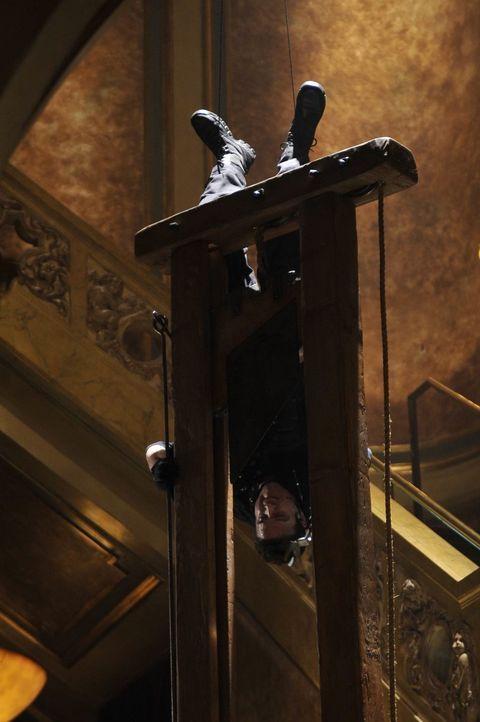 Riskiert alles: Pete (Eddie McClintock) ... - Bildquelle: Philippe Bosse SCI FI Channel