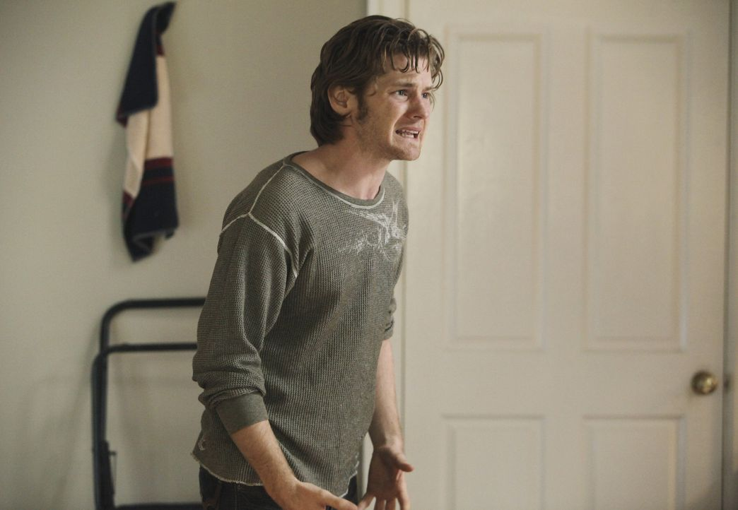Mike weiß, wo Zach (Cody Kasch) ist, will es aber Paul auf seine Frage hin nicht sagen. Als er jedoch sieht, in welchem Zustand sich Zach befindet,... - Bildquelle: ABC Studios