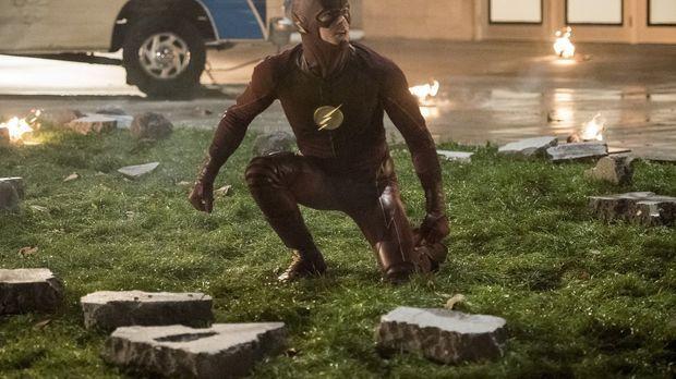 Während Barry alias The Flash (Grant Gustin) mit seinen Superhelden-Freunden...
