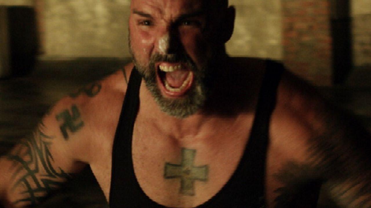 Brutaler Straßenkämpfer, der auch vor Mord nicht zurückschreckt: Mikey (Tim Holmes) ... - Bildquelle: 2011 Twentieth Century Fox
