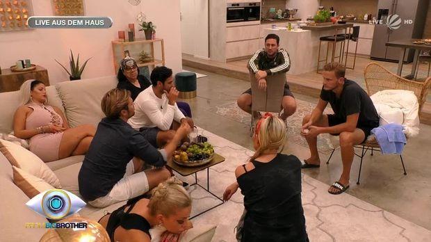 Promi Big Brother - Promi Big Brother - Folge 5: Weissagungen Und Erotische Momente