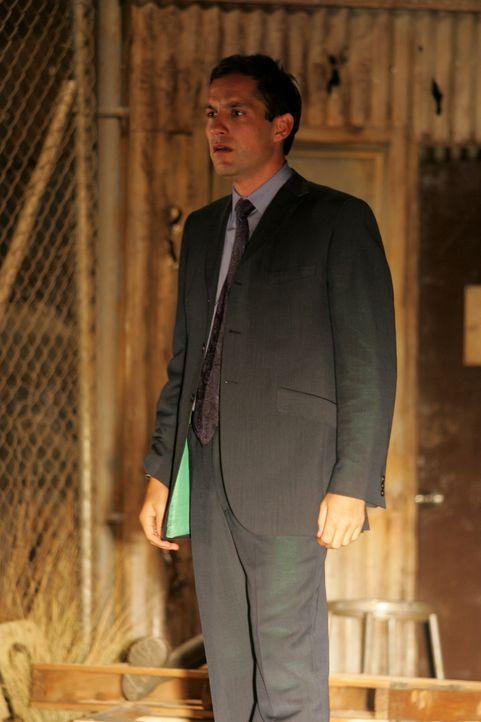 Kommt einem schrecklichen Geheimnis auf die Spur: Danny Taylor (Enrique Murciano) - Bildquelle: Warner Bros. Entertainment Inc.