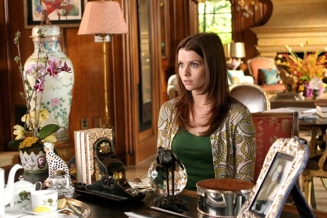Megan Smith (Joanna Garcia) gelingt es nach ihrem Abschluss in Yale nicht, im Berufsleben Fuß zu fassen. Als ihr dann von der Milliardärin Laurel Li... - Bildquelle: Warner Bros. Television