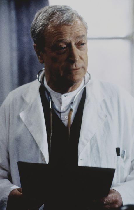 Dr. Wilbur Larch (Michael Caine) leitet in den USA ein Waisenhaus und führt dort sogar Abtreibungen durch ... - Bildquelle: Kinowelt Filmverleih