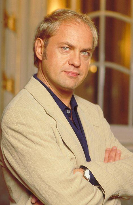 Hendrik Jansen (Uwe Ochsenknecht) wünscht sich seit geraumer Zeit ein Kind. Doch seine Frau kann keine Kinder bekommen. Da will seine Frau über eine... - Bildquelle: ProSieben