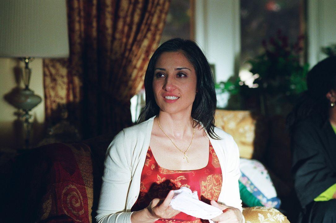 Maria (Lina Giornofelice) bekommt ziemliche Probleme mit ihrem Adoptivsohn, als dessen leibliche Eltern auftauchen ... - Bildquelle: Warner Brothers