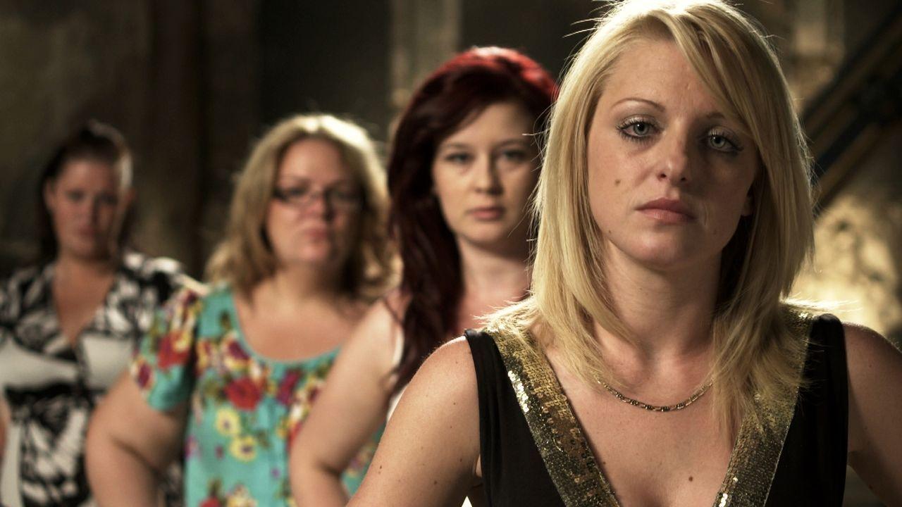 (4. Staffel) - Welche Braut trägt das schönste Kleid? Wer hat die leckerste Hochzeitstorte? Welches Paar hat die ergreifendste Hochzeitszeremonie?... - Bildquelle: ITV Studios Limited 2011