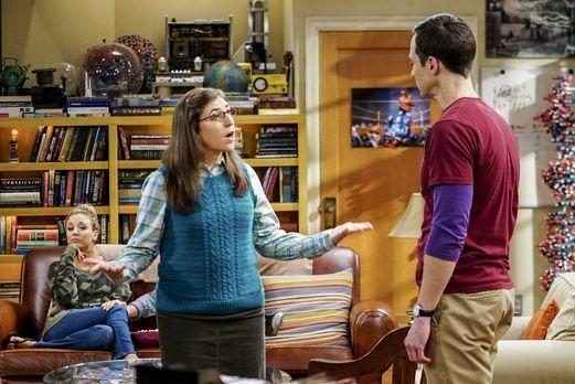 Sheldon (Jim Parsons, r.) und Amy (Mayim Bialik, l.) stoßen an die Grenzen ih...