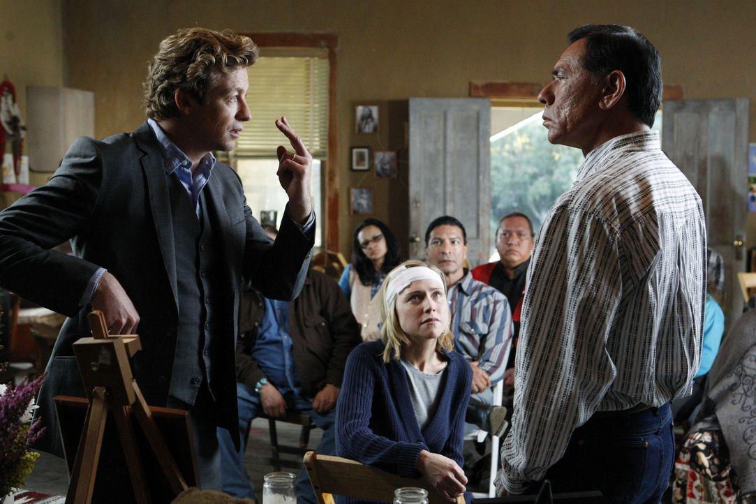 Um einen Mord aufzuklären, an dem Jane (Tracy Middendorf, M.) irgendwie beteiligt war, sich aber an nichts mehr erinnern kann, ermittelt Patrick Ja... - Bildquelle: Warner Bros. Television
