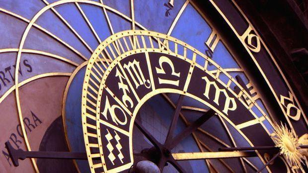 clock-1096054_1920