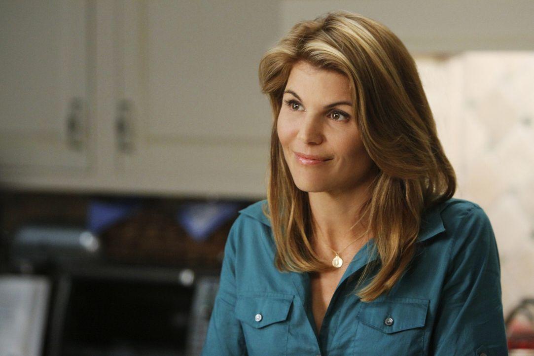 Debbie (Lori Loughlin) will sich mit ihrem Sohn Dixon aussprechen - wird er sich ihr öffnen? - Bildquelle: TM &   CBS Studios Inc. All Rights Reserved