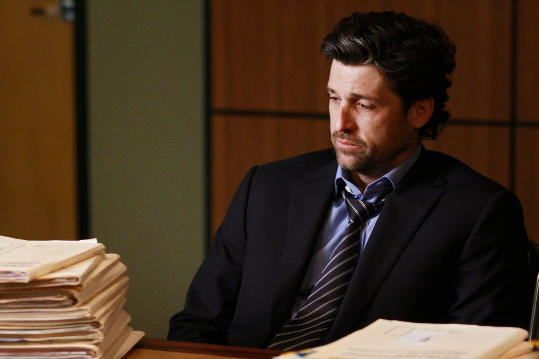 Nach dem Tod seiner Patientin Jen Harmon sieht sich Derek (Patrick Dempsey) mit einer Klage konfrontiert. Er verfällt daraufhin in eine Depression... - Bildquelle: Touchstone Television