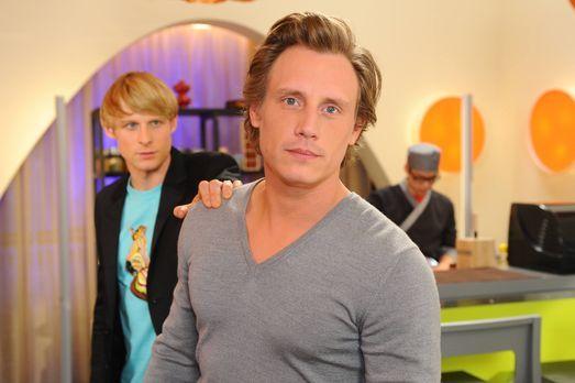 Anna und die Liebe - Was ist mit Virgin (Chris Gebert, l.) und Tom (Patrick K...