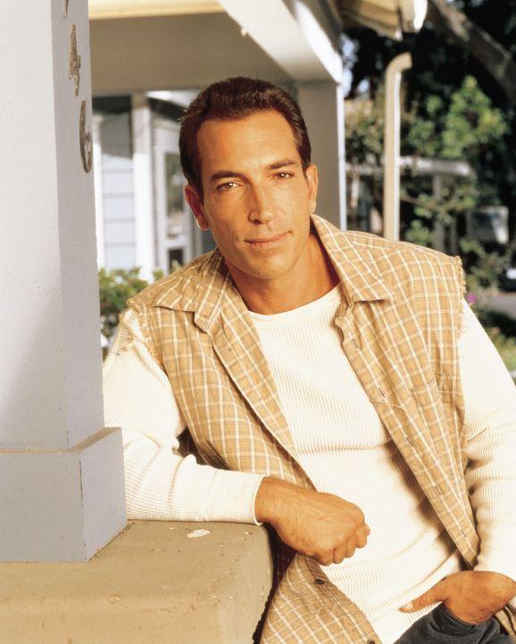 Kann nicht verstehen, dass sich Lydia nach acht Jahren von ihm trennen möchte: Lou Buttafucco (Sonny Marinelli) ... - Bildquelle: CBS Television