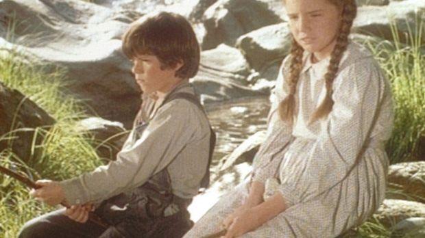 Jonah (Shane Sinutko, l.) und Laura (Melissa Gilbert, r.) haben kein Glück be...