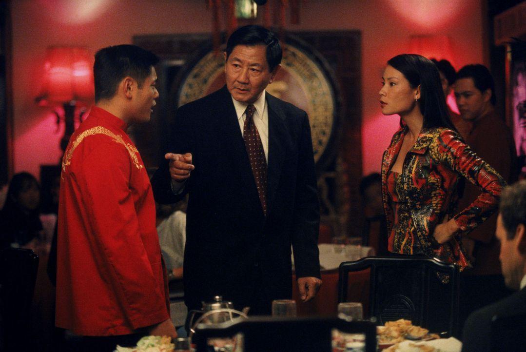 Den Frosch Stefan in ein chinesisches Restaurant mitzunehmen, ist nicht Lings (Lucy Liu, r.) beste Idee. Kurzerhand landet das geliebte Haustier in... - Bildquelle: Twentieth Century Fox Film Corporation. All rights reserved.
