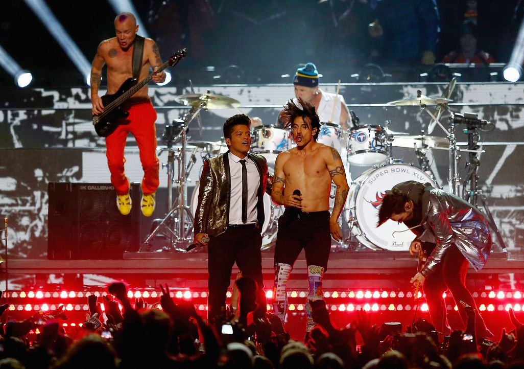 Super-Bowl-Bruno-Mars-Red-Hot-Chili-Peppers-140202-1-getty-AFP - Bildquelle: getty-AFP