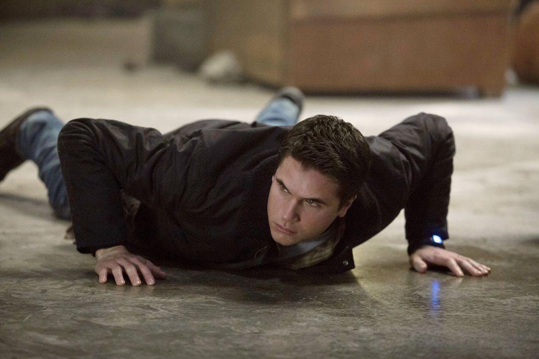 Um die Tomorrow People zu schützen, muss Stephen (Robbie Amell) dieses Mal bis ans Äußerste gehen ... - Bildquelle: Warner Bros. Entertainment, Inc