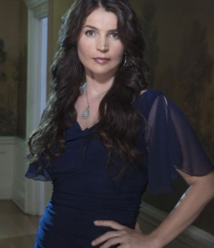 "Julia Ormond spielt Joanna Beauchamp in ""Witches of East End"""