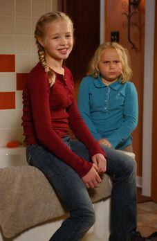 Medium - Nichts bleibt verborgen - Ariel (Sofia Vassilieva, l.) und Bridgette...