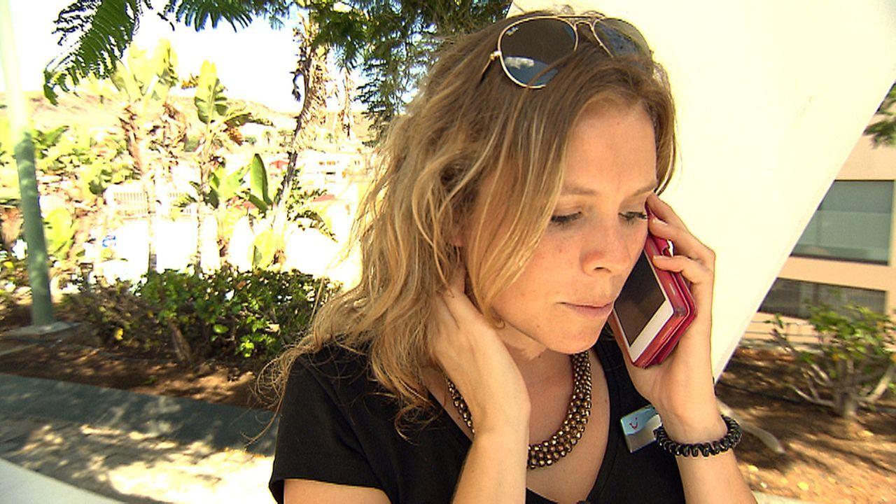 Reiseleiterin Natalie soll auf Gran Canaria eine Urlaubergruppe nach Las Palmas begleiten - zum allerersten Mal ... - Bildquelle: kabel eins