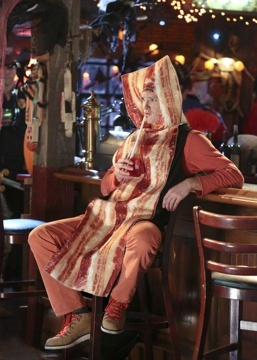 Seine Wahl hat Tom (Ross Philips) bereits getroffen, da kann auch eine Halloween-Party nichts mehr ändern ... - Bildquelle: Warner Bros.