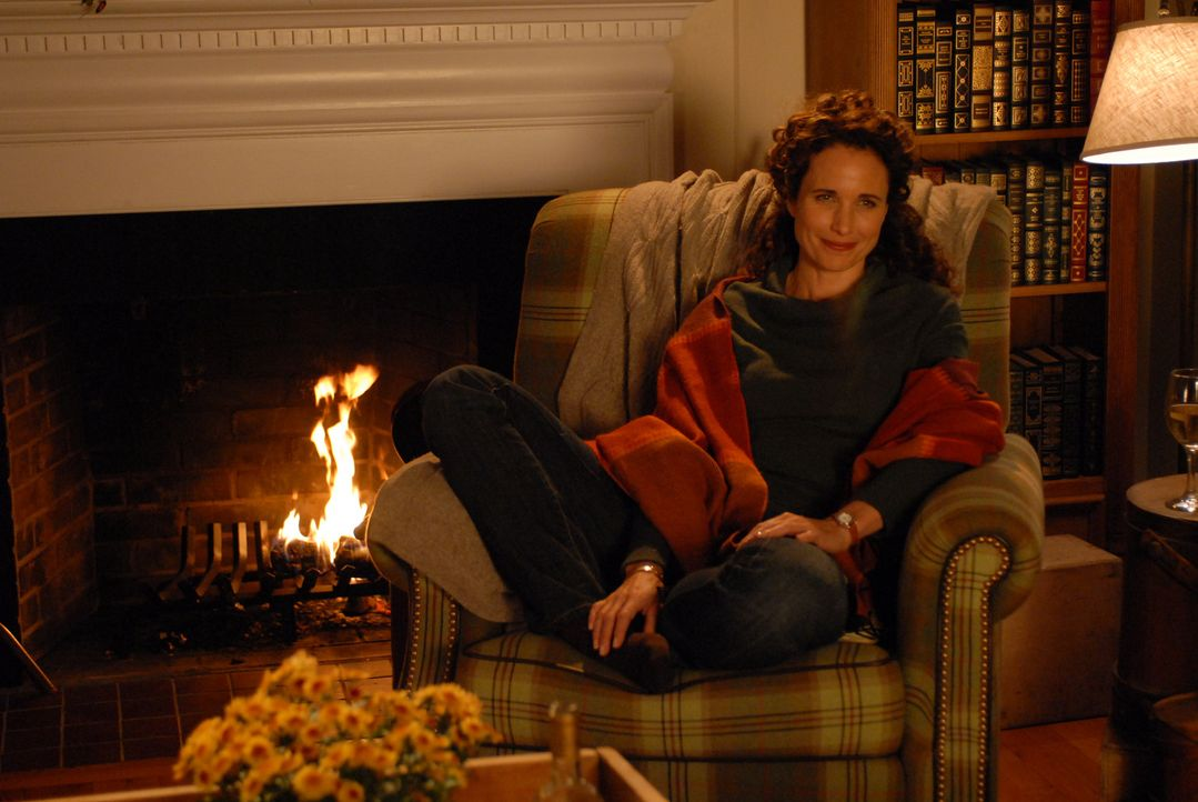 Kate (Andie MacDowell) ist Henrys zweite Exfrau und auch die Mutter seines einzigen Kindes ... - Bildquelle: Koch Media GmbH, Six Wives, LLC.