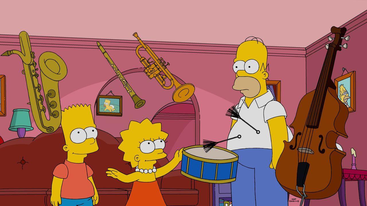 Homer (r.) ist überrascht, als seine Kinder Bart (l.) und Lisa (M.) plötzlich besondere Fähigkeiten haben ... - Bildquelle: 2015 Fox and its related entities.  All rights reserved.