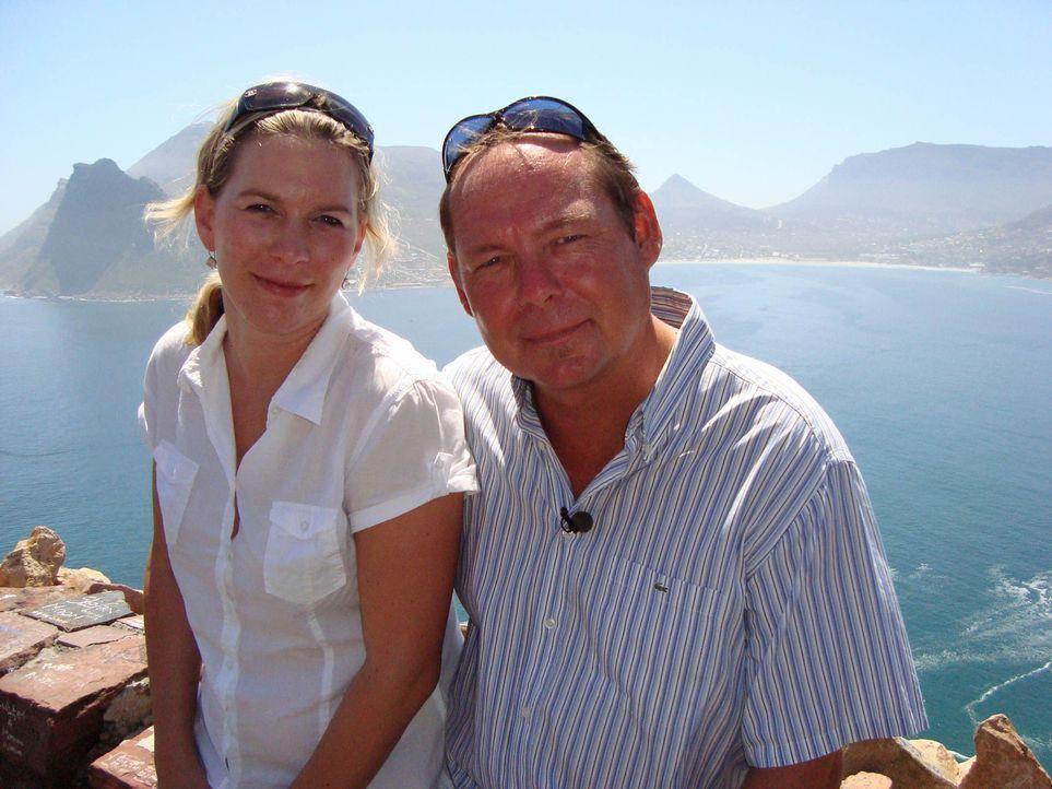 Pierre (52) und Andrea Dohrmann (30) haben sich ihren Traum erfüllt: ein Leben in Kapstadt. Im Jahr 2000 packten sie die Koffer und besitzen seitde... - Bildquelle: kabel eins