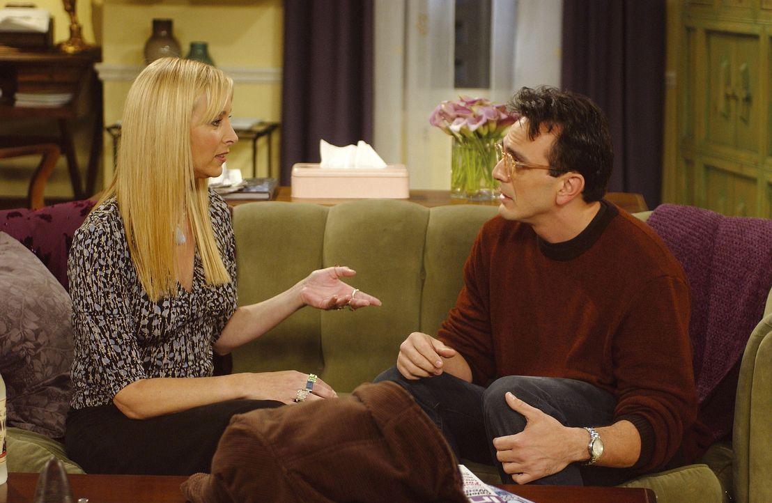 David (Hank Azaria) ist nach langer Zeit wiedergekommen und Phoebe (Lisa Kudrow) muß ihm nun beibringen, daß es einen anderen Mann in ihrem Leben... - Bildquelle: TM+  2000 WARNER BROS.