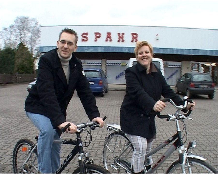 Familie Lienau übernimmt einen alteingesessenen Fahrradladen. - Bildquelle: Sat.1