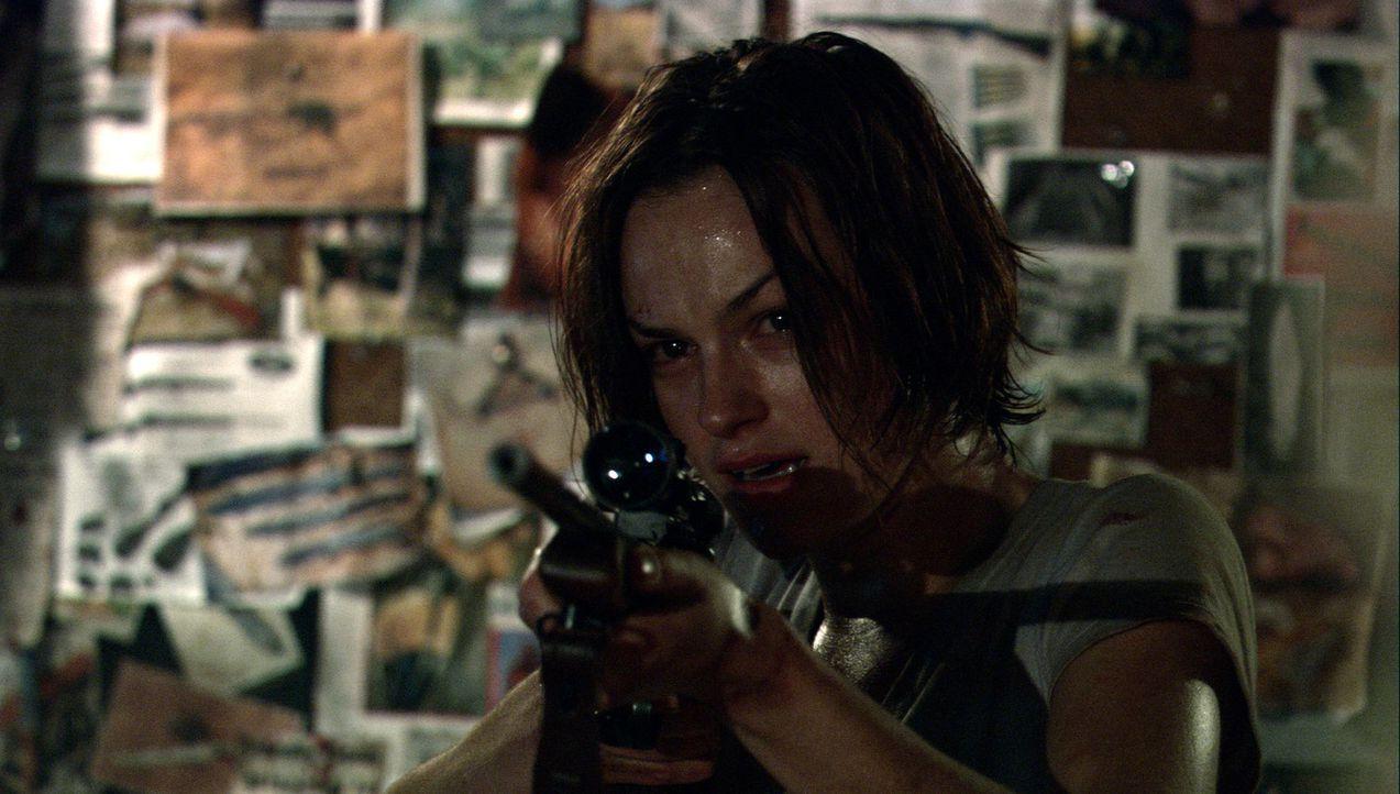 Verzweifelt versucht Liz (Cassandra Magrath) sich und ihre Freundin zu retten ... - Bildquelle: Kinowelt