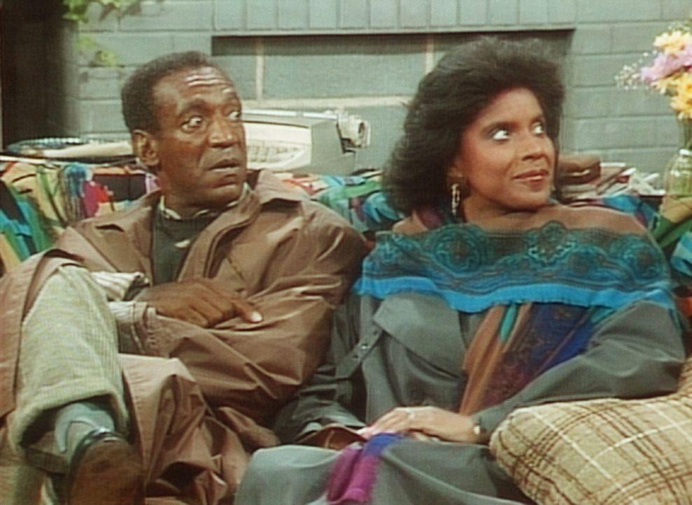 Entsetzt reagieren Cliff (Bill Cosby, l.) und Clair (Phylicia Rashad, r.) auf Elvins Mitteilung, dass er nicht studieren möchte, sondern einen Lade... - Bildquelle: Viacom