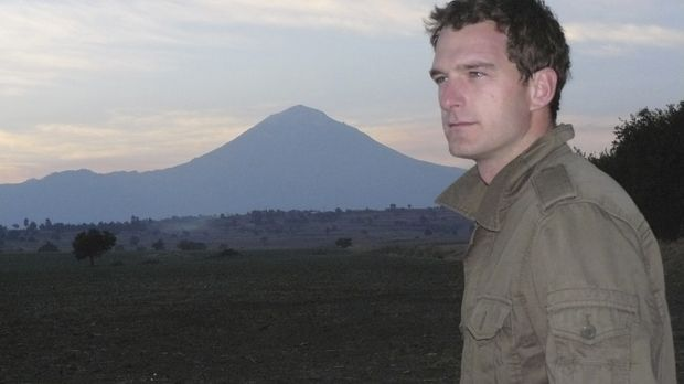 Mit Blick auf einer der zwei Zwillingsvulkanen in Mexiko: Dan Snow vor dem Po...