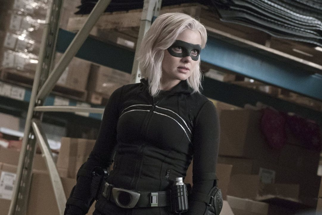 Das Gehirn eines Mannes, der sich nachts als Superheld verkleidet, um die Straßen Seattles sicherer zu machen, bringt Liv (Rose McIver) schließlich... - Bildquelle: 2014 Warner Brothers