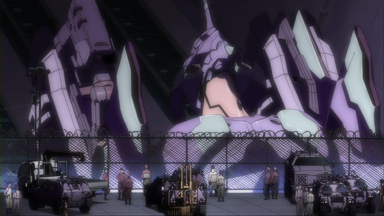 Im NERV-Hauptquartier in der Festungsstadt TOKYO-3 wurden gigantische, biomechanische Evangelion-Mechas geschaffen, um die Engel und damit die Ausro... - Bildquelle: khara, GAINAX. All rights reserved