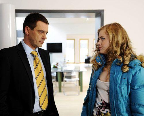 Caro und Stefan sind sich einig, dass Ben niemals von ihrer Bettgeschichte erfahren darf. - Bildquelle: Christoph Assmann - Sat1