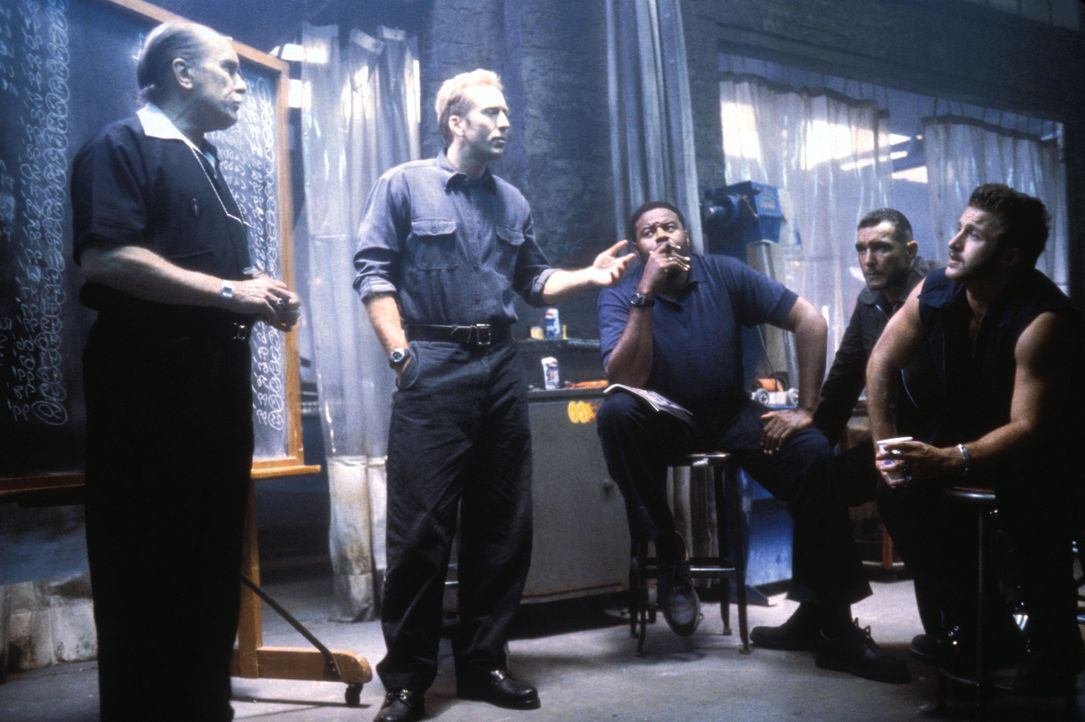 Sie haben nur 72 Stunden, um 50 Nobelkarossen zu stehlen: (v.l.n.r.) Otto (Robert Duvall), Memphis (Nicolas Cage), Donny (Chi McBride), Sphinx (Vinn... - Bildquelle: Merrick Martin Touchstone Pictures