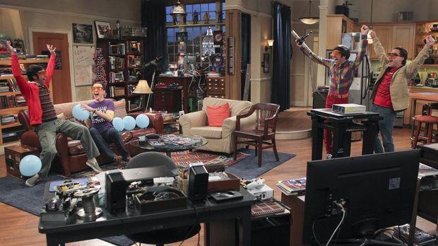 Männerabend: Howard (Simon Helberg, 2.v.r.), Sheldon (Jim Parsons, 2.v.l.), L...