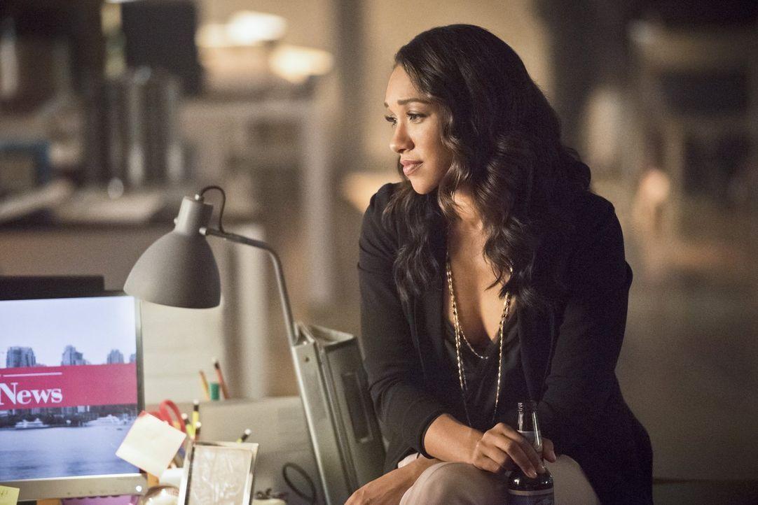 Noch ahnt Iris (Candice Patton) nicht, welche Folgen Barrys unermüdlicher Wille gegen Zoom zu kämpfen, haben wird ... - Bildquelle: 2015 Warner Brothers.