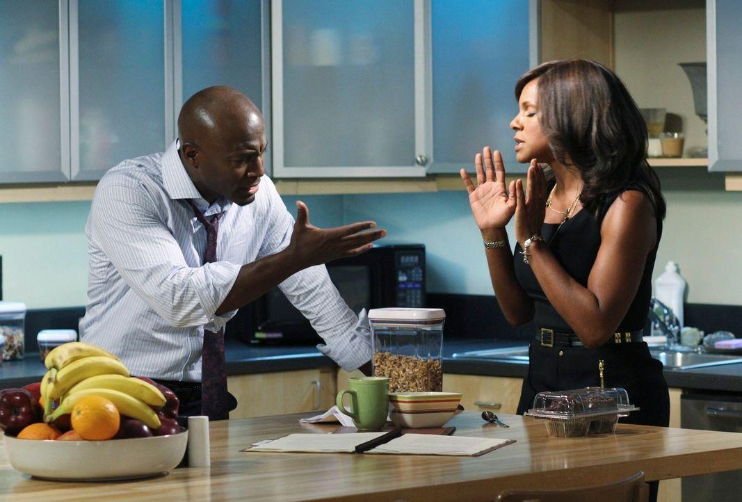 Während Naomi (Audra McDonald, r.) mit der Beziehung von Addison und Sam (Taye Diggs, l.) Probleme hat, wird dieser mit seiner Vergangenheit konfro... - Bildquelle: ABC Studios