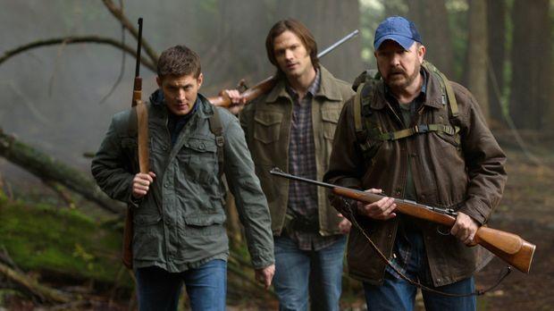 Im Kampf gegen das Böse: Sam (Jared Padalecki, M.), Dean (Jensen Ackles, l.)...