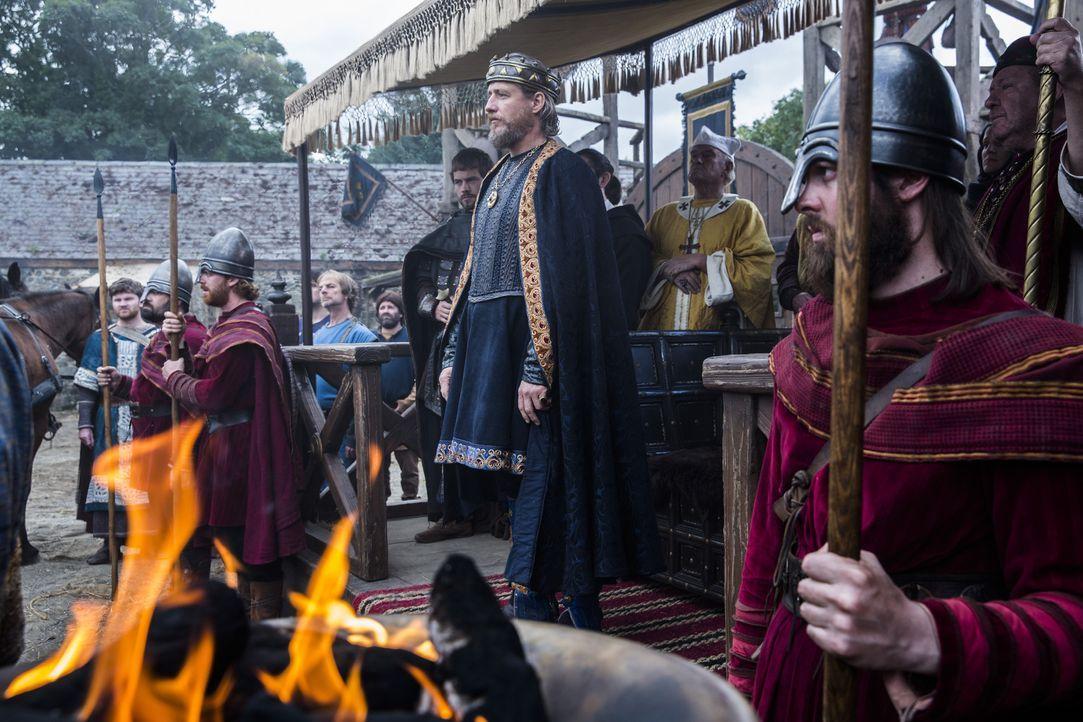 Um sich vor den Angriffen der Wikinger zu schützen, und um seine eigenen Pläne umzusetzen, möchte er sich mit König Aelle von Northumbria verbünden:... - Bildquelle: 2014 TM TELEVISION PRODUCTIONS LIMITED/T5 VIKINGS PRODUCTIONS INC. ALL RIGHTS RESERVED.